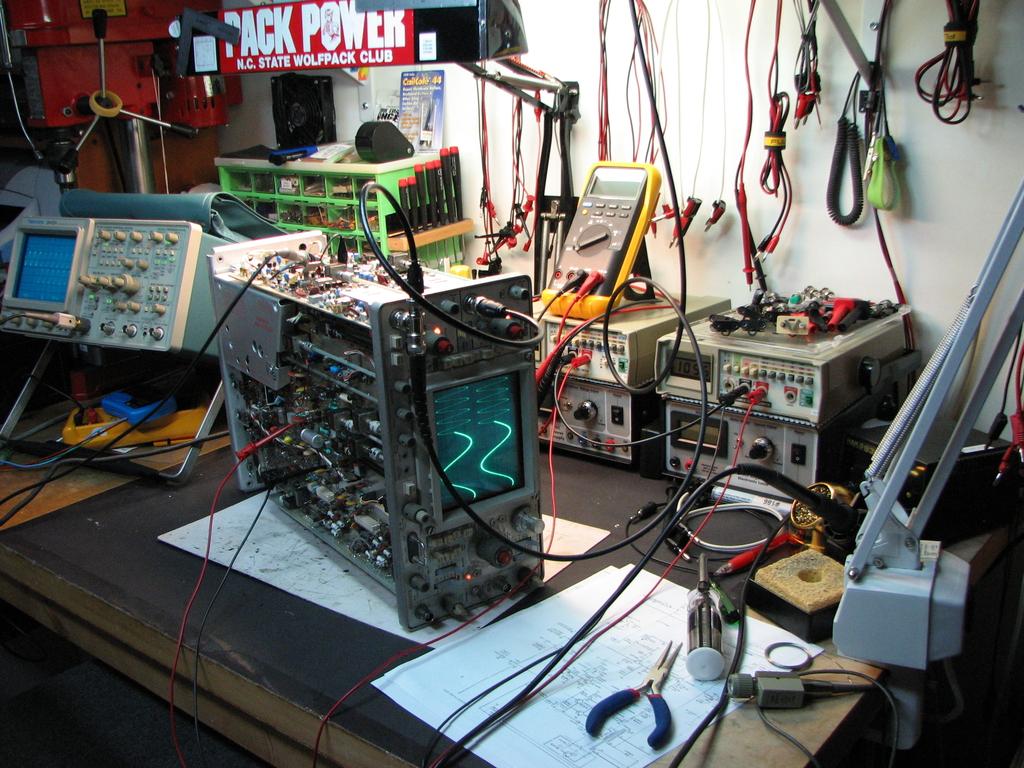 Tektronix 465 Oscilloscope Repair and Restoration Mr. ModemHead #6A382E