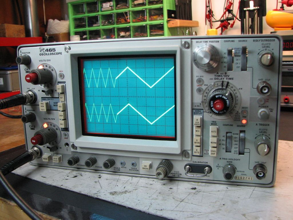 Vintage Tektronix Oscilloscopes : Tektronix oscilloscope repair and restoration mr